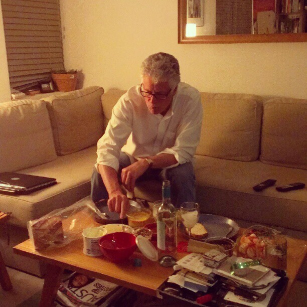 dad looks like anthony bourdain