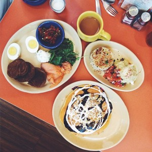 We checked out @SnoozeAMEatery in #Denver per many recommendations. So…